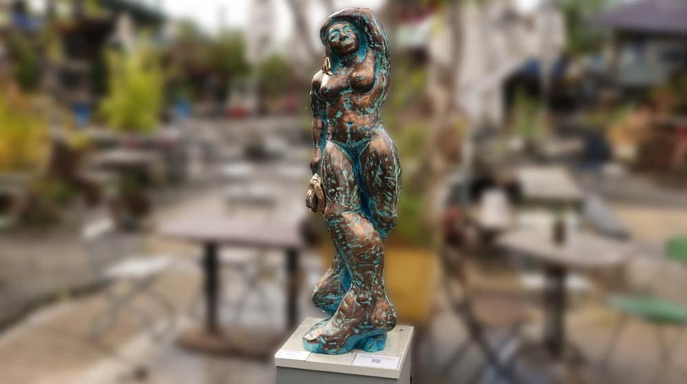 """""""Kunst-hilft-geben"""" in Odonien: Verkauf von Skulpturen zu sozialen Zwecken"""