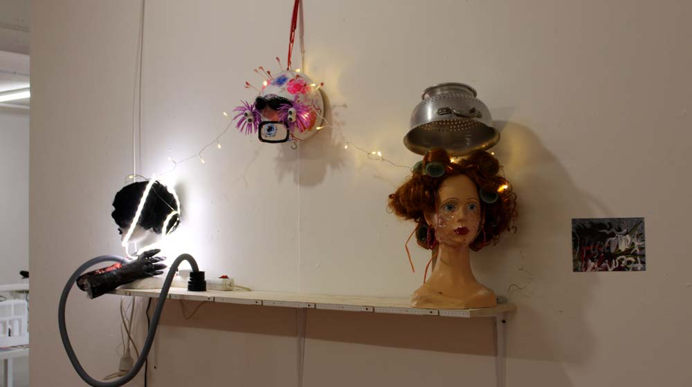 "Frauenmuseum zeigt ""Maskenball – Frauen in Corona Zeiten"""